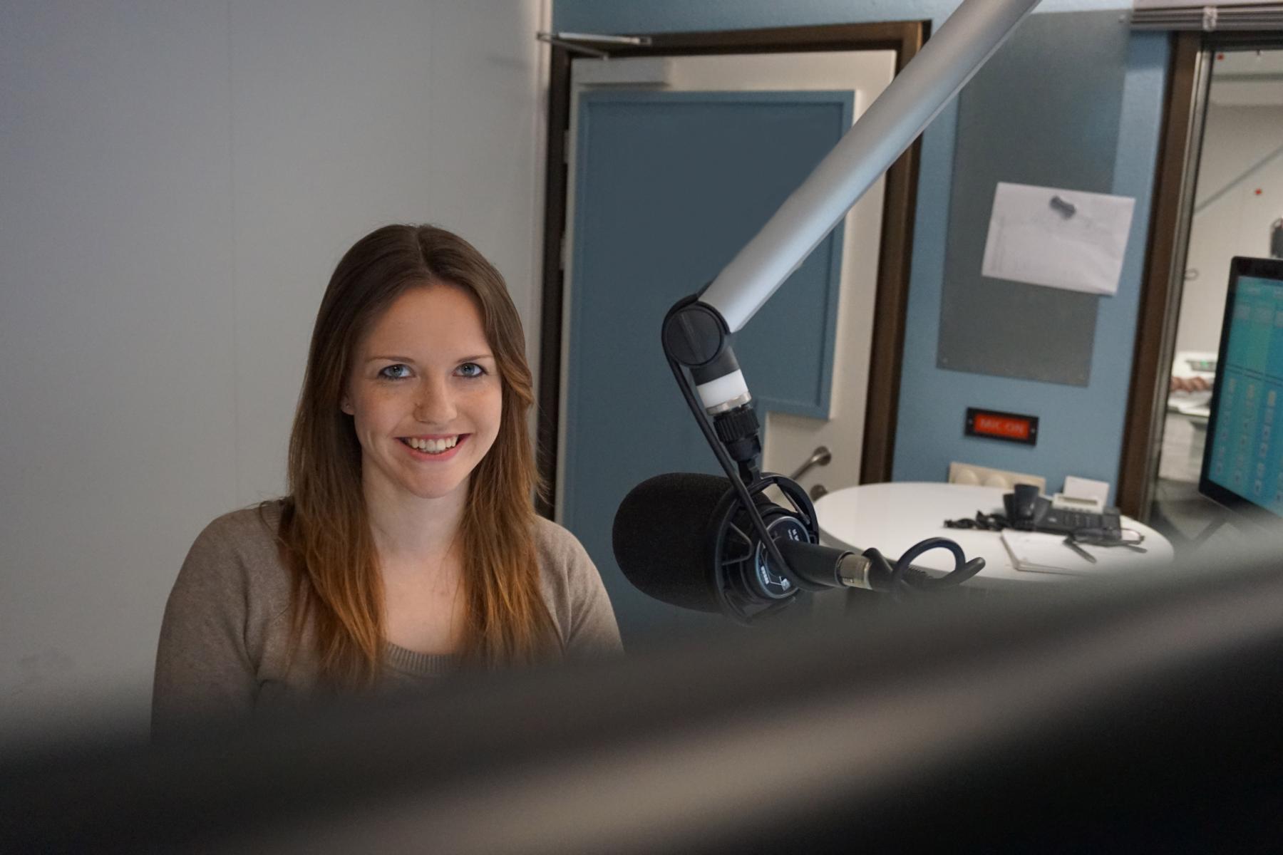 Julia Meyer Moderatorin